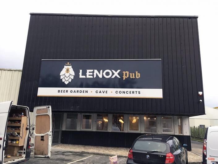 Enseigne Lenox Pub à Carquefou (44) - Adhésif Publicité - Votre signalétique adhésive sur Nantes (44)