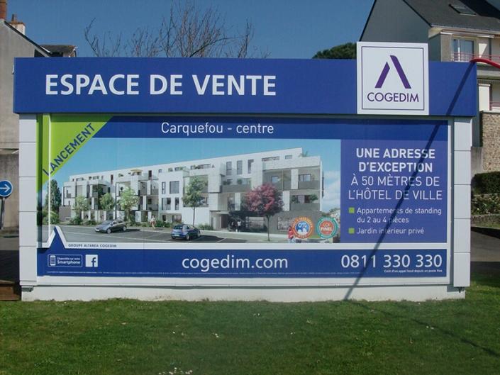 Installation et pose de PLV - Adhésif Publicité - Votre signalétique adhésive sur Nantes (44)
