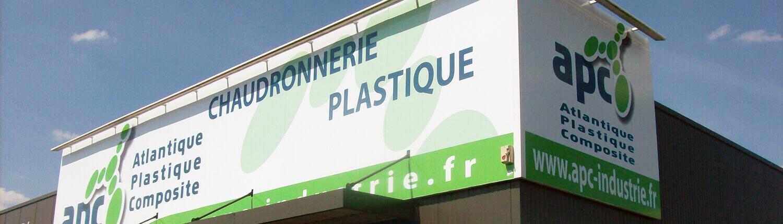 Panneaux dibond grand format XXL pour une enseigne de magasin - Adhésif Publicité - Votre signalétique adhésive sur Nantes (44)
