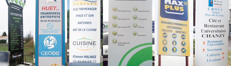 Totem publicitaire extérieur sur-mesure (44) - Adhésif Publicité - Votre signalétique adhésive sur Nantes (44)